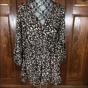Torrid a Black, White & Red Abstract Tunic Top